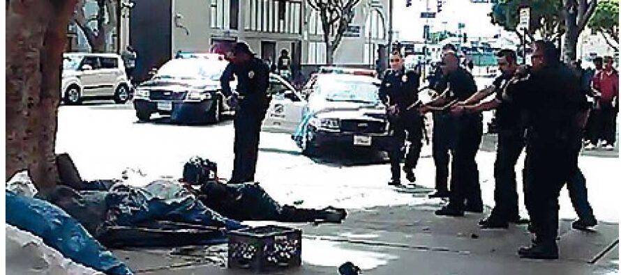 Los Angeles, 5 colpi contro il senzatetto Polizia sotto accusa