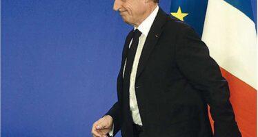"""Francia verso i ballottaggi Valls contro Sarkozy """"Fermiamo l'onda Le Pen"""""""