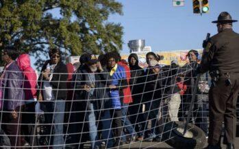La polizia uccide un nero disarmato Obama a Selma: la marcia non è finita