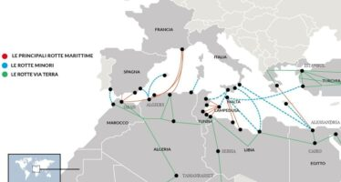 """La svolta dell'Ue """"Operazione militare contro gli scafisti """""""