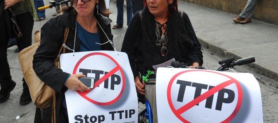 Stretta sul trattato Usa-Ue flash mob e proteste in 600 piazze del mondo
