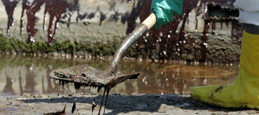 Ecoreati, il governo si piega ai petrolieri
