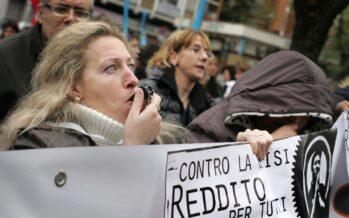 Maroni lancia il reddito di cittadinanza Salvini lo boccia: elemosina di Stato