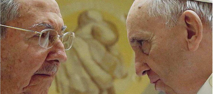 Raúl Castro folgorato dal Papa «Grazie per il disgelo con gli Usa»