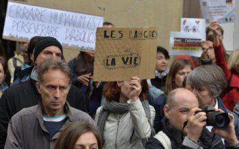 Insegnanti in sciopero in Francia contro la riforma dellemedie