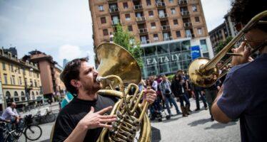 Il movimento No Expo contro Farinetti