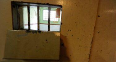 Educare i burocrati: in prigione per un giorno