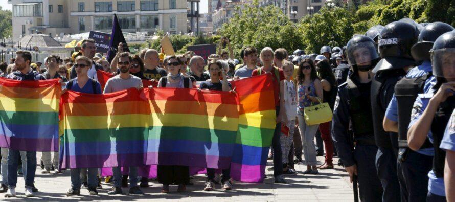 Neonazisti aKiev contro il gaypride