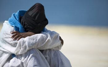 Rifugiati, uno su tre ha subìto violenze