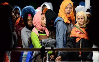 Accoglienza no-limits e frontiere chiuse le due ricette sbagliate contro l'emergenza