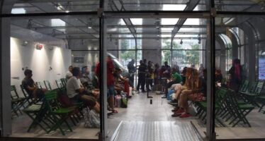"""""""Refugees welcome"""", antirazzisti in Centrale"""