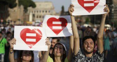 Unioni civili, anche i laici in piazza