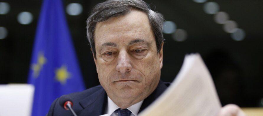 """La Bce prova a chiarire """"Nessun caso Italia"""" Banche ancora giù"""