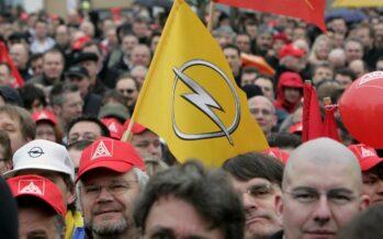 """La Confindustria tedesca: """"Giù il muro delle 8ore"""""""