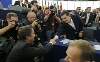 Il 42%dei greci con Syriza ma Tsipras punta al voto e alla metamorfosi verso il partito riformista