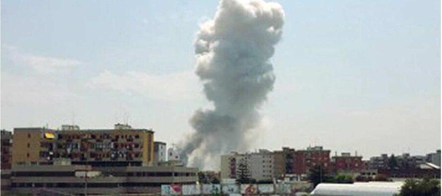 Sette corpi in fiamme nella fabbrica dei botti