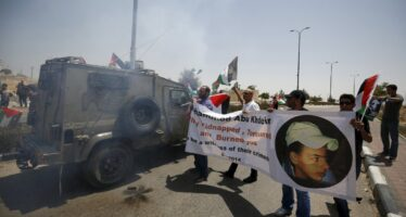 Ucciso 17enne palestinese, «legittima difesa» per Israele
