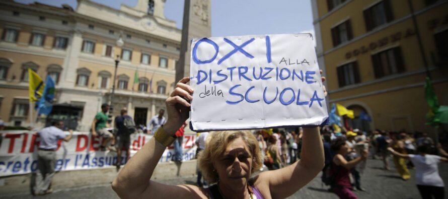 Scuola, Renzi fa approvare la riforma più odiata
