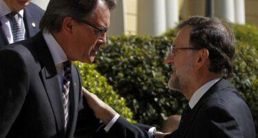 Catalogna, elezioni il 27 settembre. Prove di alleanza per Podemos
