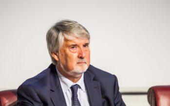 """Giuliano Poletti: """"Reddito minimo di 320 euro al mese per un milione di poveri con minori"""""""