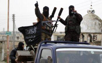 Scoperte in Iraq 202 fosse comuni con migliaia di uccisi dall'Isis