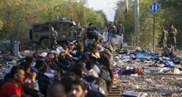 """In coda alla frontiera prima del muro """"La barriera austriaca non ci fermerà"""""""