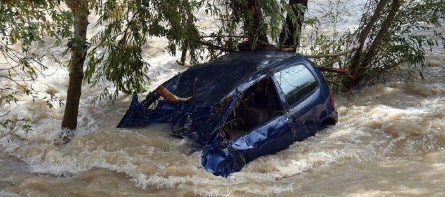 """Diluvio in Costa Azzurra terrore e 17 morti polemiche sull'allarme """"Nessuno ci ha avvisati"""""""
