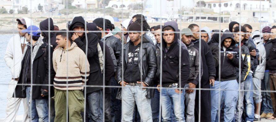 Rifugiati: nuove barriere crescono, anche all'interno di Schengen