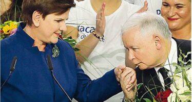 """""""Stanno svuotando la democrazia"""" Così svanisce il miracolo polacco"""