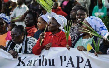 """""""Il terrorismo si alimenta di paura e povertà"""" Francesco in Kenya inizia la visita all'Africa"""