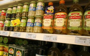 Extravergine solo nell'etichetta inchiesta sul gotha dell'olio italiano