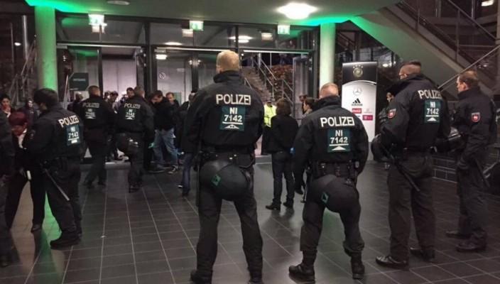 polizia-germania-704x400.jpg (704×400)