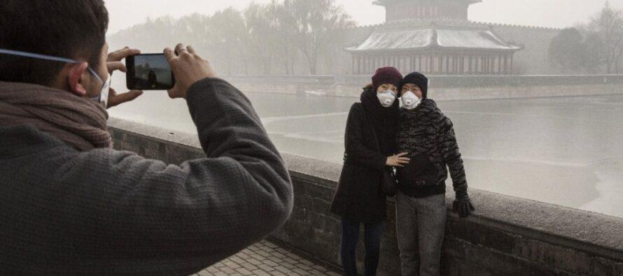 """""""Chiudetevi in casa"""" lo smog da record ingoia le città cinesi"""