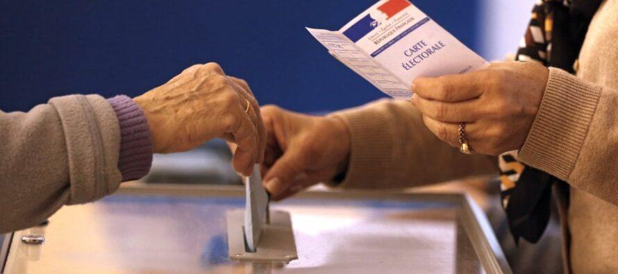 """Nessuna regione al Front National Le Pen: """"Il regime è in agonia"""" Sarkozy vince, ma il partito si divide"""