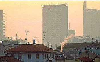 L'Italia contro lo smog Milano ferma le auto Roma pronta a imitarla