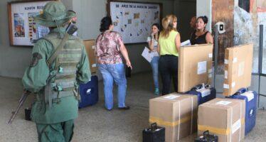 Venezuela. Il chavismo scommette sulle piazze, l'opposizione sui sondaggi