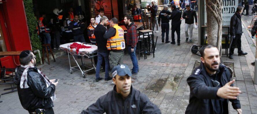 Terrore a Tel Aviv spara sui clienti di un pub due morti e sette feriti