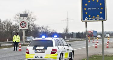 Migranti, confini chiusi da Svezia e Danimarca Merkel: è crisi Schengen