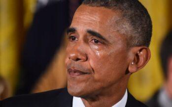 "Armi, le lacrime di Obama. ""Fermerò le stragi d'America"""