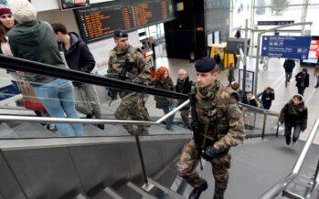 Francia, stato d'emergenza nell'aula vuota