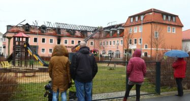 Fuoco e fiamme contro i profughi nel «far east» tedesco