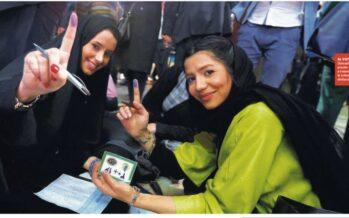 """Tra i giovani riformatori che hanno punito i falchi Rouhani festeggia il voto """"L'Iran si apre al futuro"""""""