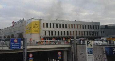 Due esplosioni in aeroporto Bruxelles, almeno 11 morti. Bombe anche nel metrò