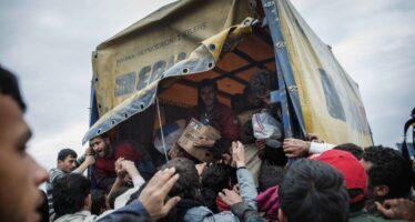 La marcia dall'Italia al confine greco-macedone