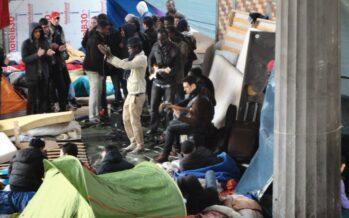 Campo profughi in movimento