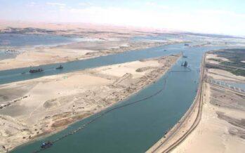 Nel canale di Suez affondano le ambizioni di Abdel Fattah al Sisi