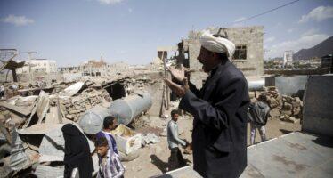 Inferno al mercato: 41 morti in raid saudita
