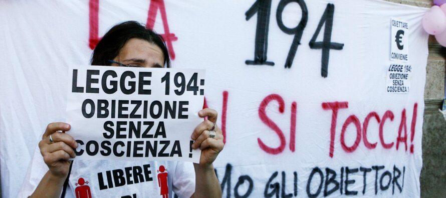 Aborto farmacologico. Regione Piemonte contro il governo, protestano Pd e M5S