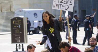 Occupy in piazza per Bernie Sanders
