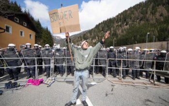 Brennero, via ai nuovi controlli Scontri fra polizia e manifestanti